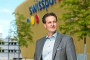 Der neue Präsident der FCL Holding AG hat schon in der Swissporarena Einzug gehalten: Philipp Studhalter. (Bild: Dominik Wunderli / Neue LZ)