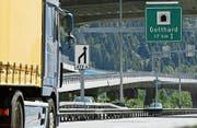 Vom Bau der zweiten Gotthardröhre könnten auch Urner Bauunternehmen profitieren. (Bild: Urs Flüeler/Keystone (Göschenen, 2008))
