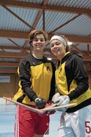 Stephanie (links) und Maria Gehlhaar haben ein gemeinsames Ziel: den Cupsieg. (Bild: Urs Hanhart (Seedorf, 16. Januar 2017))