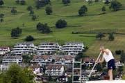 Auch hier ist begehrter Wohnraum knapp: Mehrfamilienhäuser in Ennetbürgen. (Bild: Keystone / Urs Flüeler)