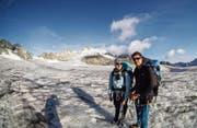 Sanna Laurén und Markus Fehlmann auf dem Brunnifirn oberhalb von Bristen. (Bild: PD (Bristen, 22. Juli 2017))
