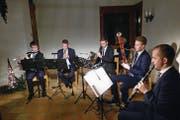 Patrice Bühler, Roman Stampfli, Manuel Odermatt, Silvan Scheuber und Adrian Kläy beim Konzert in der Bergkapelle Wirzweli (von links). (Bild: Franz Niederberger (Wirzweli, 26. Dezember 2017))