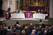 An der gestrigen Kirchgemeindeversammlung wurde bekannt, dass Bürglen erneut um einen Termin für ein Gespräch mit Chur ersucht hat. (Bild: Boris Bürgisser / Neue LZ)