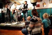Buschi & Anni bei einem Auftritt an den Stanser Musiktagen im Jahr 2015. (Bild: Romano Cuonz / Neue NZ)