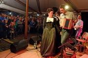 Im letzten Jahr haben unter anderem Chrimafrä und Ländler Panache die Bühne auf dem Dorfplatz bespielt. (Bild: Nadia Schärli / LZ (Stans, 5. April 2016))