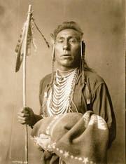 Land verloren, Identität verloren: amerikanischer Indianer um 1900. (Bild: Keystone/akg-images)