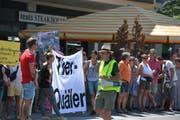 Erwin Kessler (im Vordergrund) ist der Initiator der Demonstration. (Bild: Mathias Frei/Tagblatt)