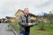 Kilian Duss, Präsident der Wohnbaugenossenschaft, bei der Fliegersiedlung in Stans. (Bild Corinne Glanzmann)