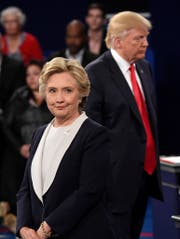In wenigen Stunden wissen wir, wer US-Präsident oder US-Präsidentin wird: Der Republikaner Donald Trump oder die Demokratin Hillary Clinton. (Bild: Keystone)