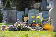 Wer für eine Bestattung aufkommen muss, wenn der Verstorbene kein Geld hinterlässt, ist heute in Uri nicht geregelt. Bild Corinne Glanzmann