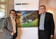 Beat Hug (links) und Franz Enderli vom Trägerverein «600 Jahre Niklaus von Flüe». (Bild: Romano Cuonz (Flüeli-Ranft, 15. November 2017))