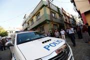 Über 12'000 Polizisten wurden in der Türkei entlassen. Symbolbild eines Polizeiautos in der Türkei. (Bild: EPA/SEDAT SUNA)