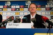 Rolf Fringer an der gestrigen Medienkonferenz. Der 57-Jährige freut sich sichtlich, beim FC Luzern als Sportchef arbeiten zu dürfen. (Bild: Dominik Wunderli / Neue LZ)