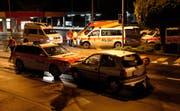 Die Verletzten wurden durch die Rettungsdienste Schwyz und Küssnacht hospitalisiert. (Bild: Geri Holdener, Bote der Urschweiz)