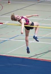 Die 21-jährige Géraldine Ruckstuhl aus Altbüron realisiert mit übersprungenen 1,81 Metern eine persönliche Bestleistung. (Bild: Hanspeter Roos (Magglingen, 4. Februar 2018))