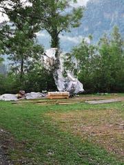 Der vom Unwetter verwüstete Pfadi-Lagerplatz in Giswil nach der Evakuierung. (Bild: PD)