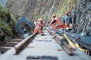 Im August 2017 nimmt die neue Standseilbahn von Kehrsiten auf den Bürgenstock ihren Betrieb auf, nachdem im März die Schienen eingebaut worden sind (Bild). Die alte war im Dezember 2012 letztmals gefahren. (Bild: Urs Flueeler)