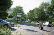 Bei der Einfahrt in die Stanserstrasse soll ein Kreisel entstehen. (Bild: Corinne Glanzmann (Stansstad, 25. Mai 2016))