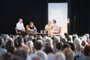 Über die Macht der Geschichten diskutieren Peter Voegeli, Olga Grjasnowa, Jonas Lüscher und Hans Ulrich Probst (v. l.). (Bild:)