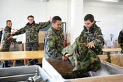 Militärpflicht Entlassung am 12. November 2013 beim ehemaligen Zeughaus in Sarnen. (Bild: Corinne Glanzmann / Neue NZ)