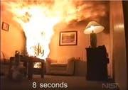 Schon nach acht Sekunden ist das Feuer ausser Kontrolle. (Bild: Youtube)
