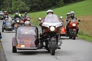 Mitglieder des Moto-Clubs Obwalden unterwegs mit besonderen Passagieren. (Bild: PD)