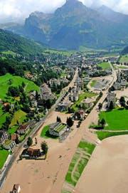 Beim Hochwasser 2005 richtete die Engelbergeraa riesige Schäden im Dorf an. (Archivbild Neue LZ)