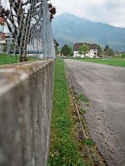 Um diesen geplanten Abschnitt entlang des Kollegi-Sportplatzes drehte sich gestern der Zwist. (Bild: Corinne Glanzmann (Stans, 11. April 2017))