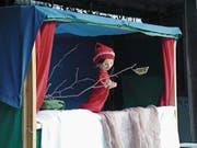 Für die kleinen Besucher findet ein Puppenspiel statt. (Bild: PD)