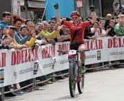 Mit grossem Vorsprung fährt Linda Indergand über die Ziellinie und wird damit Königin von Montichiari. (Bild: PD (Montichiari, Italien, 2. April 2017))