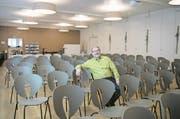 Pastor Erwin Imfeld im neu gestalteten Saal des Begegnungszentrums. (Bild: Corinne Glanzmann (Stans, 23. Januar 2018))