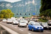Auf der A 2 – hier vor der Ausfahrt Hergiswil – nimmt der Verkehr immer mehr zu. (Bild Roger Gruetter)