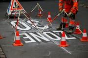 Symbolbild: Die Gemeinde Sarnen will Tempo-30-Zonen im Siedlungsgebiet einführen. Im Bild eine Tempo-30-Zone in Baar. (Bild: Stefan Kaiser (Neue Zuger Zeitung))