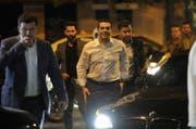 Der Vorsitzende der linken Syriza Partei, Alexis Tsipras, kommt beim Hauptsitz seiner Partei in Athen an. (Bild: AP/ Pegas G.)
