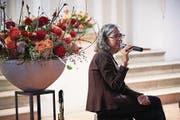Die Autorin Daniela Kuhn bei der Vernissage ihres Buches in Boswil. (Bild: Jakob Ineichen (28. April 2017))