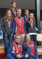 Die Medaillengewinner. Vorne von links: Patrick und Mirjam Würsten. Hinten: Belinda Gisler, Mireille Gisler, Lara Gisler, Fabian und Isabelle Gisler. (Bild: Franz Stalder)
