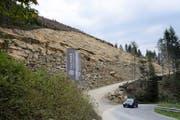 Im Abbaugebiet Rischi an der Glaubenbergstrasse sind bereits 15 000 Tonnen Wuhrsteine abgebaut worden. (Bild Robert Hess)