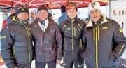 Fachhändler und Experten betreuten die Langläufer in Unterschächen. Von links: Dani Niederberger, Wisi Marty, Steve Gisler und Giachem Guidon. (Bild: Josef Mulle (Unterschächen, 8. Dezember 2017))