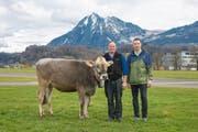 Kantonalschwingest NW und OW 2018 5. Preis: Rind Alaska, Züchter Christof Küchler, Kägiswil, und Spender Matthias Prinoth von der Firma Dolomiten Sport, Sarnen (Bild: PD (Sarnen, 16. März 2018))