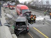 Diese zwei Autos sind zwischen Biberbrugg und Einsiedeln kollidiert. (Bild: Kantonspolizei Schwyz)