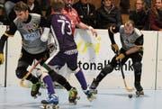 André Da Costa (am Ball) im Match des RHC Uri gegen Biasca. (Bild: Urs Hanhart (Seedorf, 10. Dezember 2017))