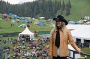 Die amerikanische Countrysängerin Danni Leigh (47) vor ihrem Auftritt gestern am Open Air. (Bild: Martin Uebelhart)