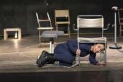 Szene aus der Produktion «Angeklagt» mit Julia Monte. (Bild: Michael Arn / PD)