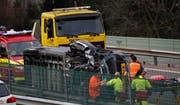 Massiver Schaden am Lieferwagen. (Bild: Geri Holdener, Bote der Urschweiz)