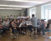 Die Jugendmusik Altdorf hat sich bei einem Probeweekend im Isental intensiv auf die bevorstehenden Auftritte vorbereitet. (Bild: PD)