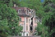 Die Villa Landenberg ist am Zerfallen und einsturzgefährdet. (Bild: Christoph Riebli (Sarnen, 17. Juni 2016))