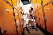 En garde: Max Heinzer in der Garderobe seines Trainingsstandorts in Zürich.