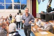 Auch der Seelisberger Gemeindepräsident Karl Huser (Mitte) erhält von der FDP Uri nicht besonders gute Noten. (Bild: Keystone/Urs Flüeler)