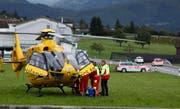 Der Rollerfahrer musste in eine Spezialklinik geflogen werden. (Bild: Geri Holdener)
