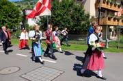 Nidwaldner Kantonalschützenfest: Umzug zum offiziellen Festakt beim Seeplätzli Ennetbürgen - mit BR Ueli Maurer (ganz links) (Bild: Leserbild / Sepp Bernasconi)